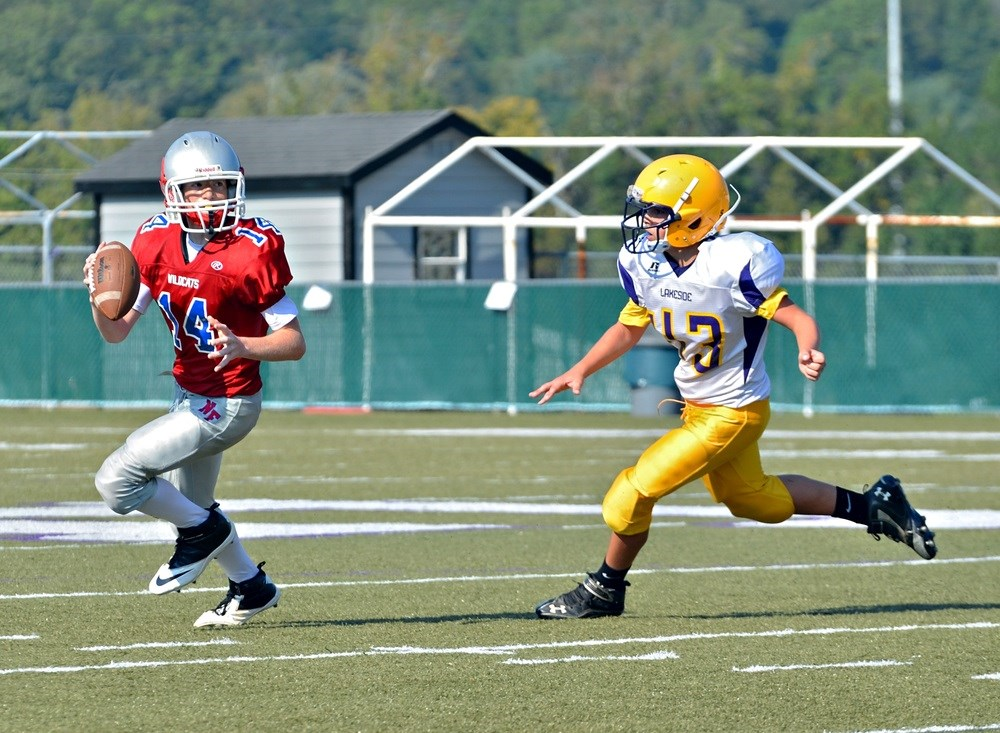 Changes in Developing Brains Seen in Young Football Players