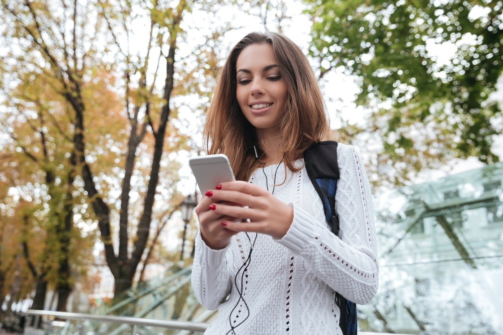 Effective Monitoring of Mood Instability with Smartphone Questionnaire