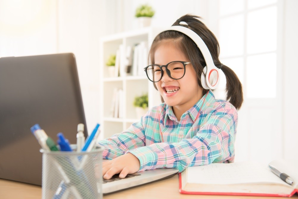 Children ages 3 to 12 years were better at attaining pre-op information from interactive web-based platforms.