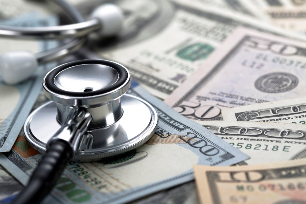 Biomedical Industry Payments Lower for Female vs Male Physicians