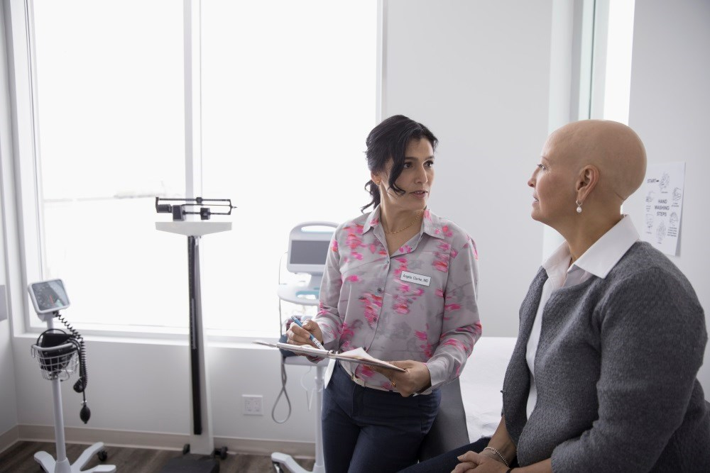Physicians who know someone with a poor breast cancer prognosis are more likely to recommend routine breast cancer screening.