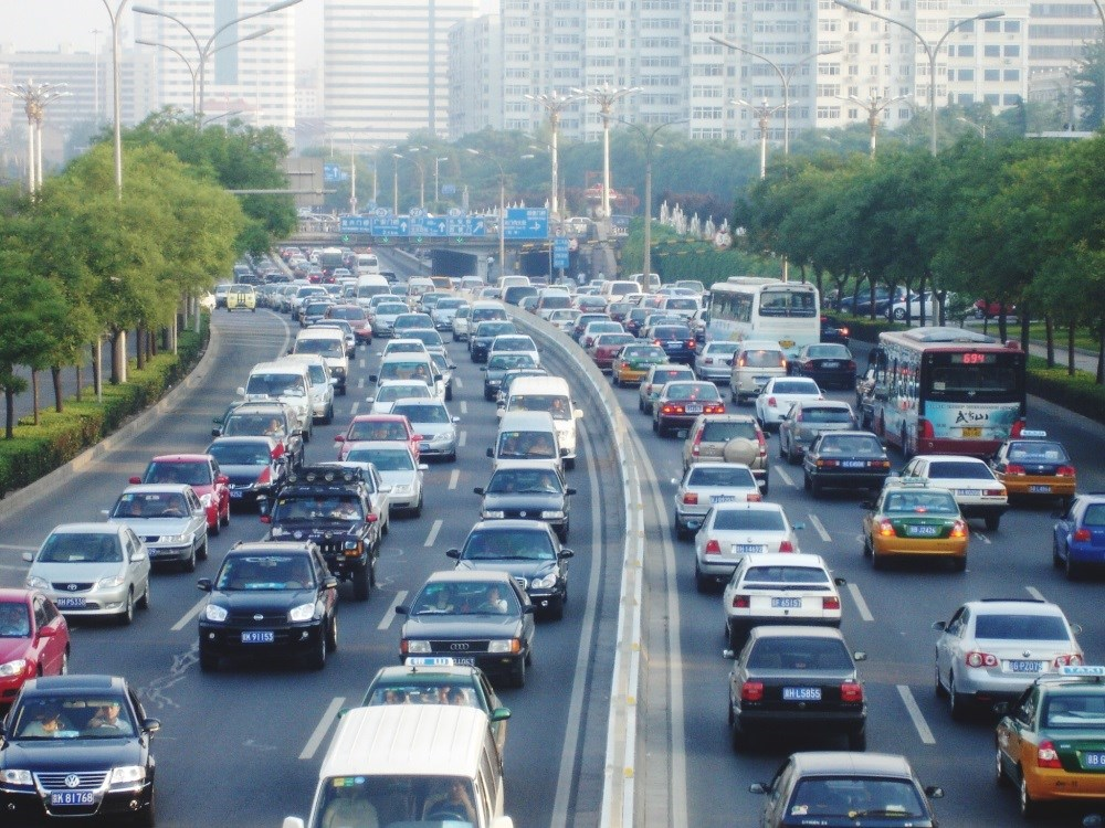 Cardiopulmonary Benefits of Walking Mediated by Traffic Pollution