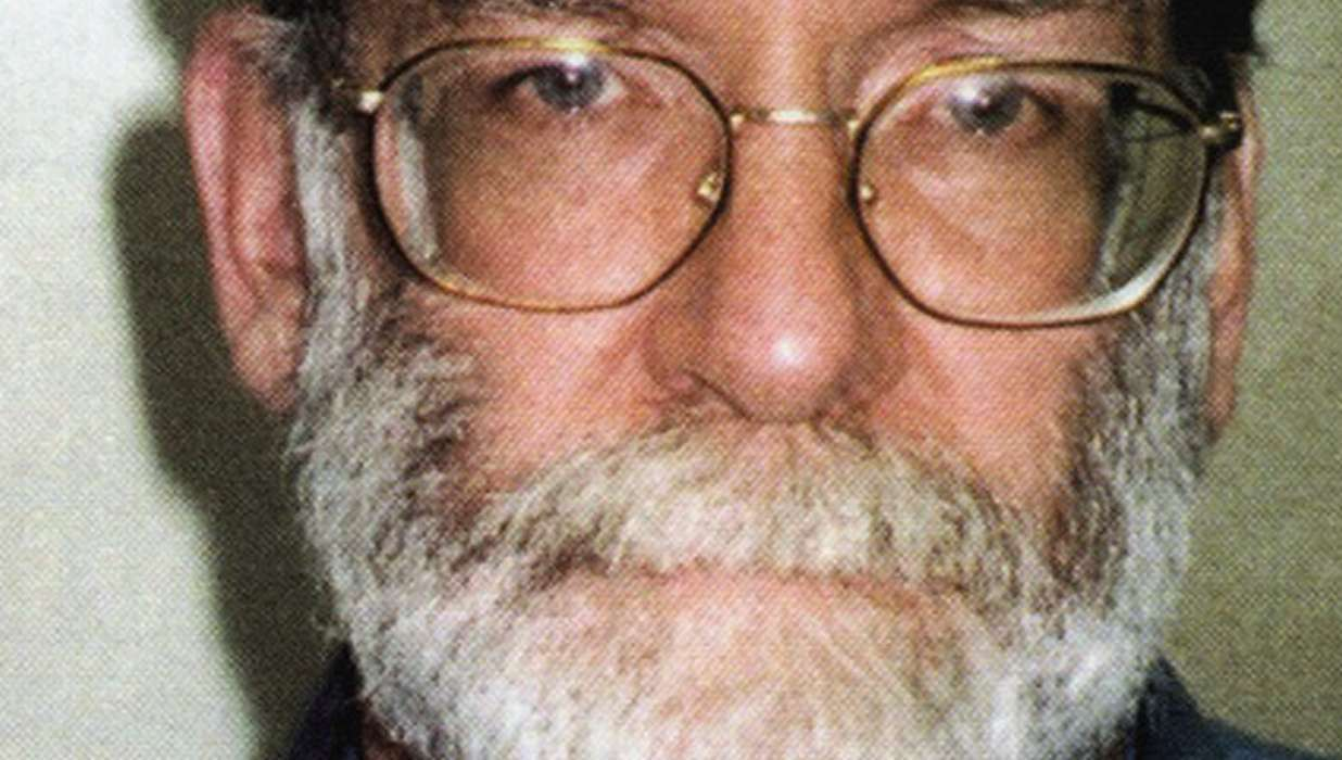 harold shipman case study (1998-2000) dr harold shipman 14/1/1946 - 13/1/2004 the following case reveals the difficulty in detecting murder by poison, as well as the addictive nature of the crime it should also be noted that 6 months before shipman was finally brought to trial he was exonerated by an investigation undertaken by two police detectives.