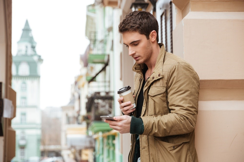 Personalized daily text messaging improves the adherence in youths over a 6-month intervention.