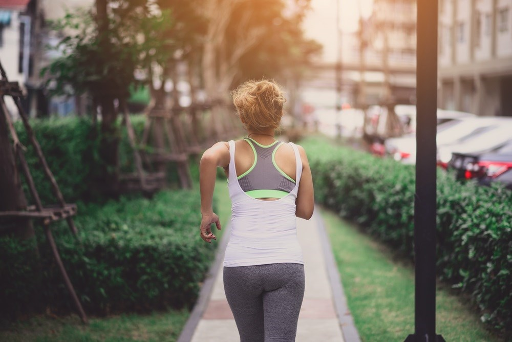 Researchers examined potential strategies used to compensate for weakness of the deep core musculature during running.