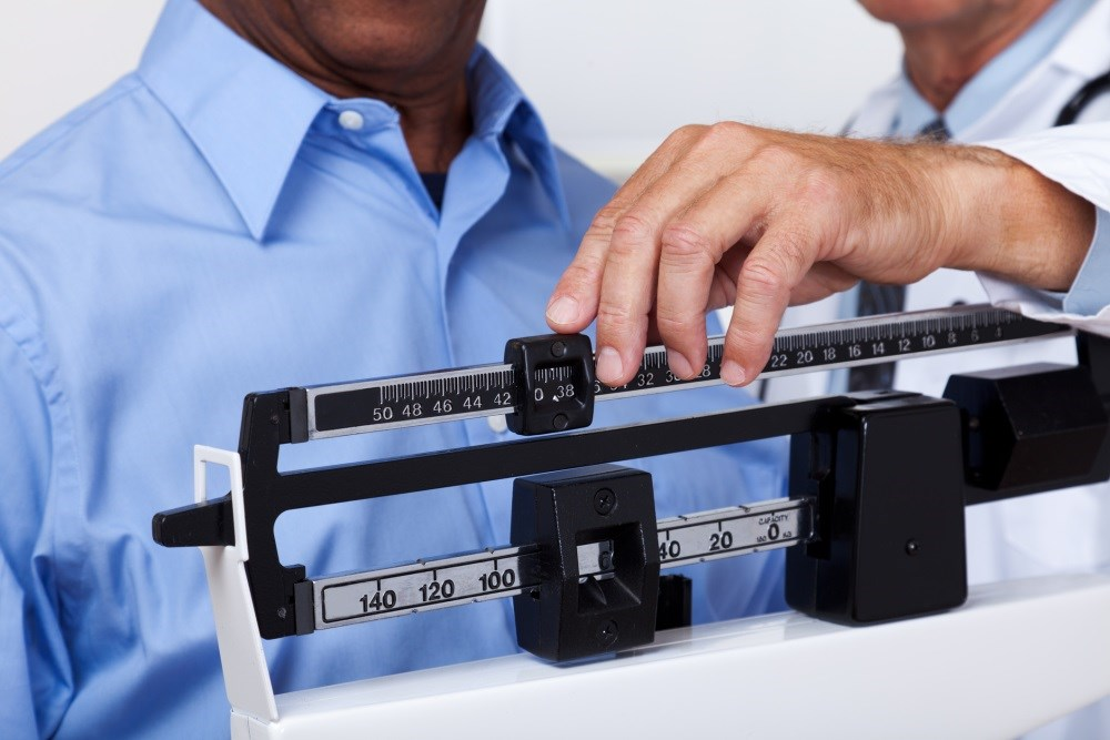 Among participants who gained a moderate amount of weight, 24% of women and 37% of men achieved the healthy aging outcome.