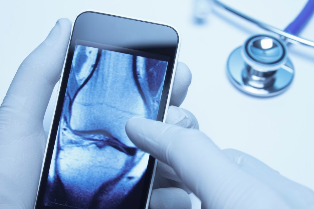 UK Physicians Sending Confidential Scans via Apps