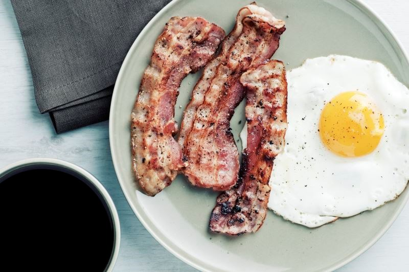 Meta-Analysis: Small Weight Increase Seen for Breakfast Eaters