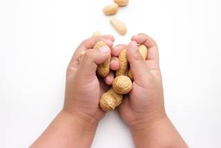 Significantly more guideline adherence was seen for pediatricians who treat patients with food allergies; there was no difference between academic and community-based providers.