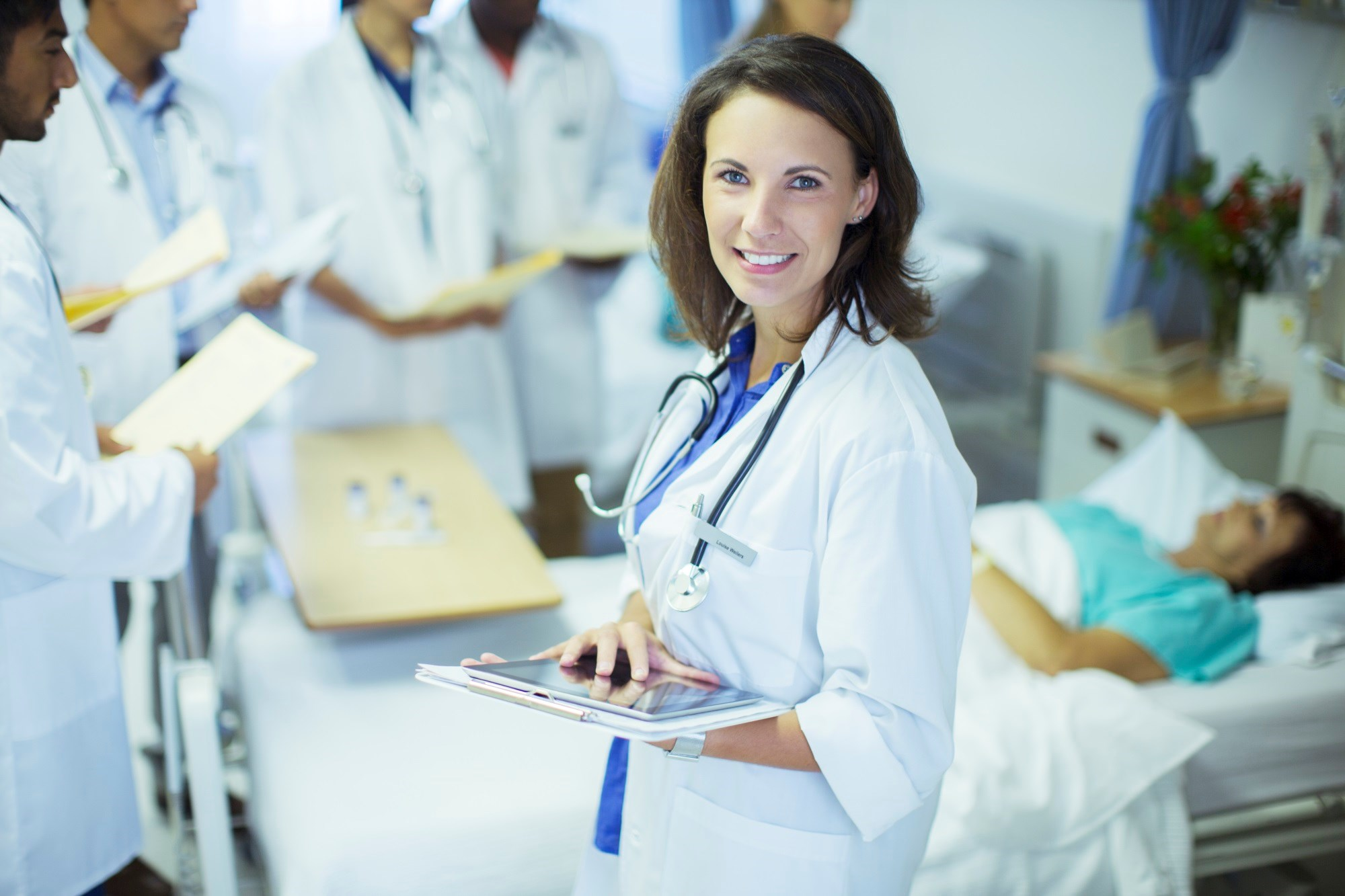 Medical residents can take steps to maintain their energy and alertness during long shifts.