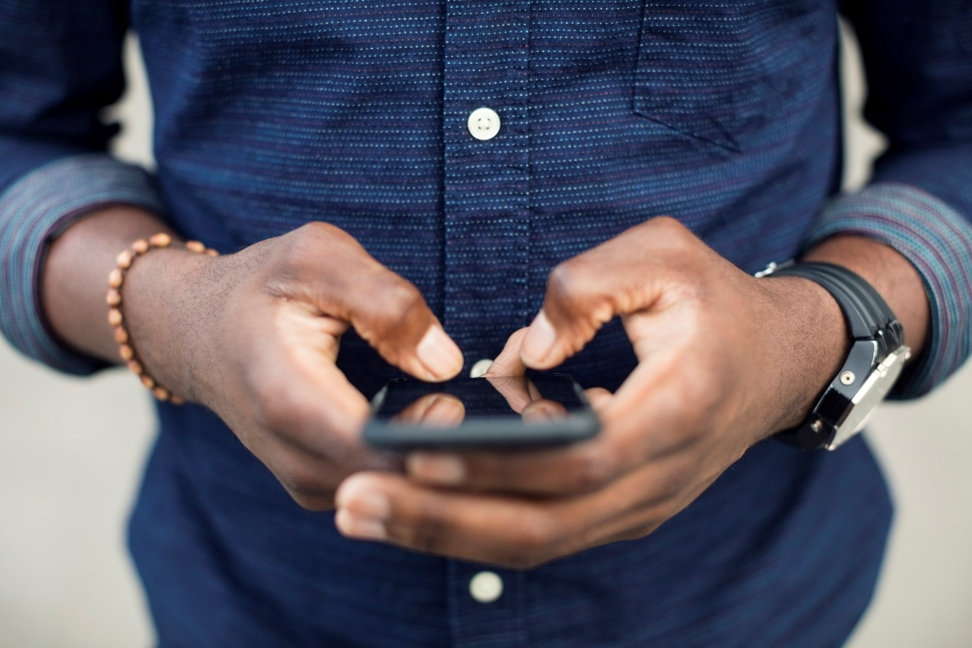 Texting Intervention Engages Patients After Joint Arthroplasty