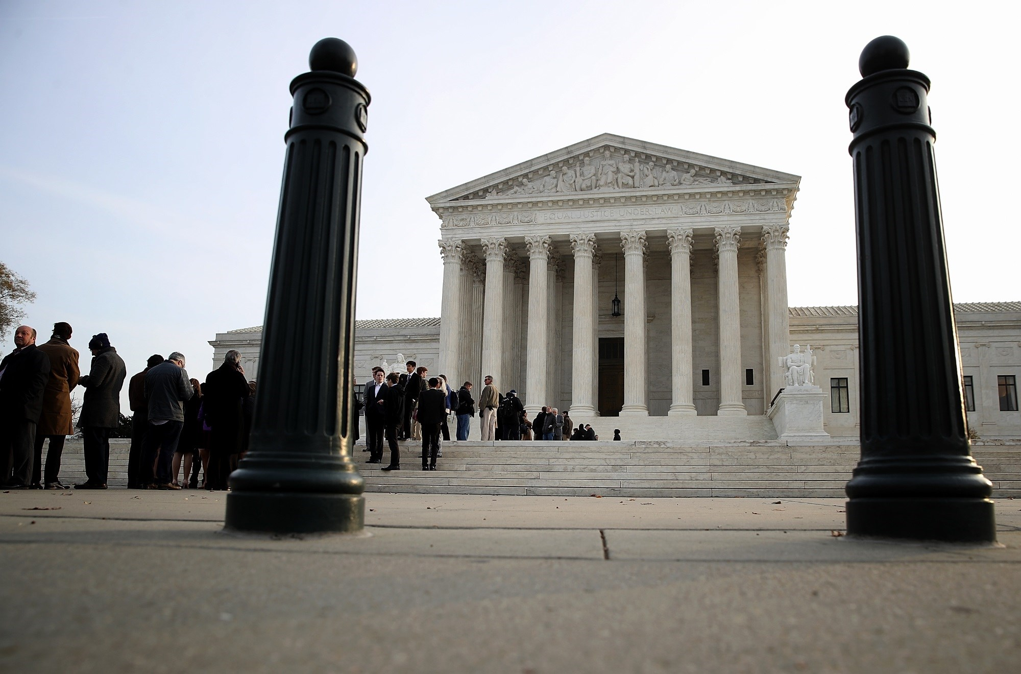 The majority of respondents think that the Supreme Court should keep Roe v Wade in place.
