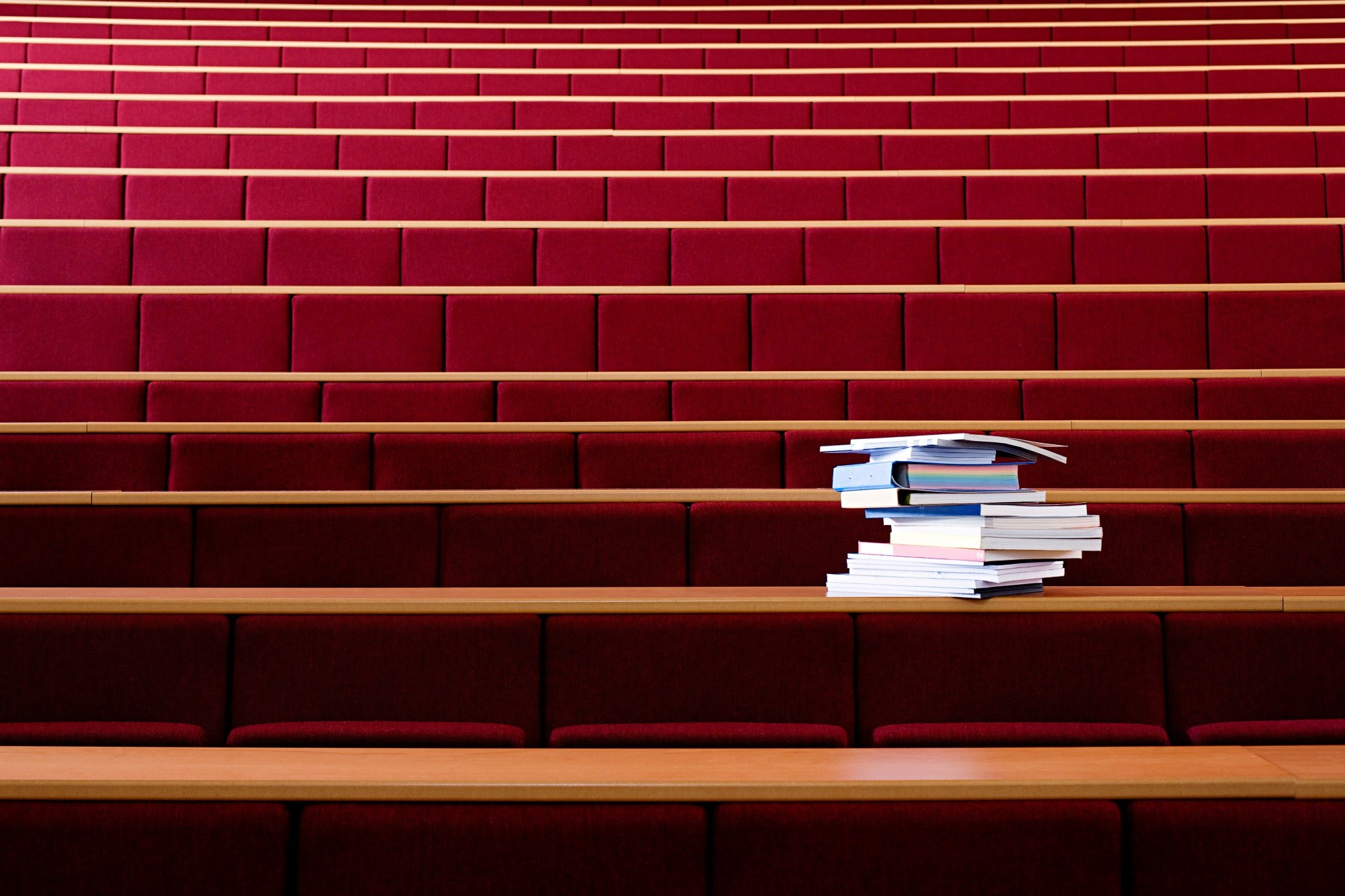 Medical Schools Phase Out Lectures as Education Shifts Outside the Classroom